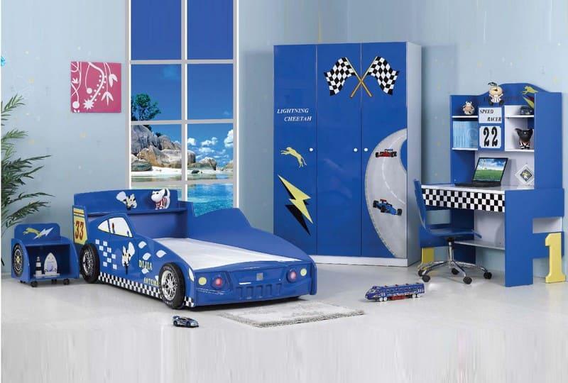 Phòng ngủ hình xe đua màu xanh cho bé